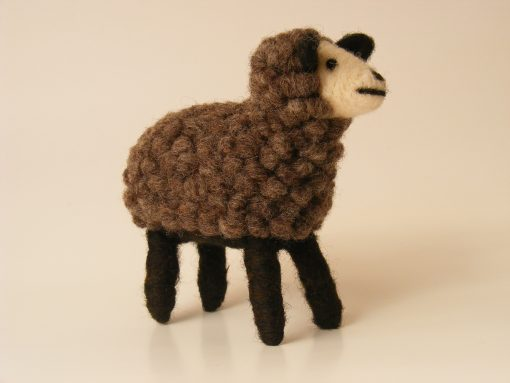 oveja_lana_fieltro_gris_oscuro_diagonal_sheep_wool