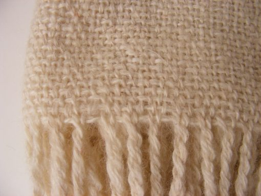 chal_alpaca_detalle_termin_blanco_wool_shawl